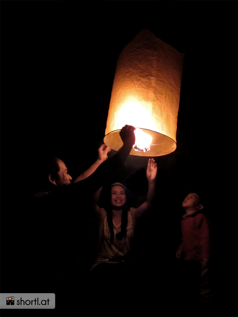 Boun Ok Phansa-Lichterfest in Laos