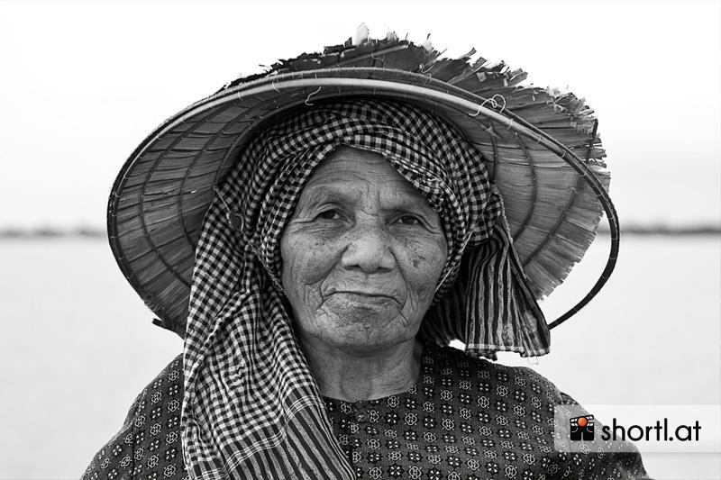 Eine kambodschanische Straßenverkäuferin